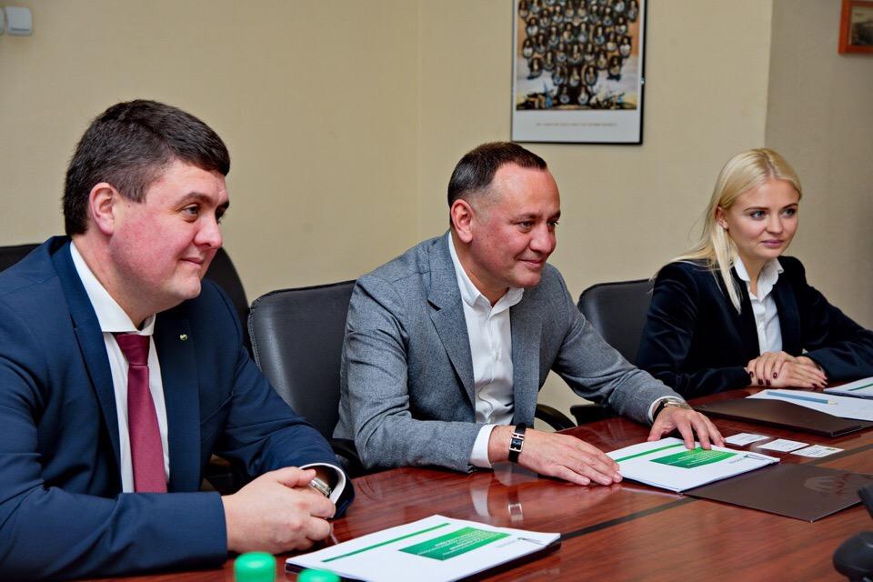 В Калуге прошла рабочая встреча вице-президента Сбербанка с губернатором